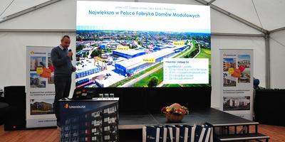 Wiecha na nowym budynku w Bielsku Podlaskim